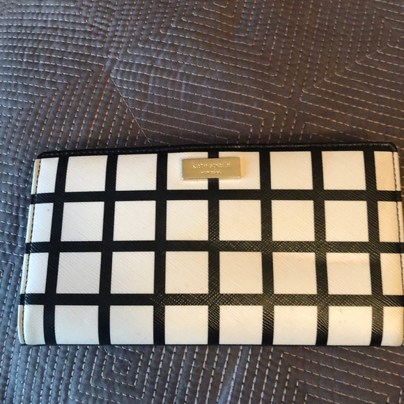 kate spade Handbags - Kate Spade ♠️ Black & Cream wallet